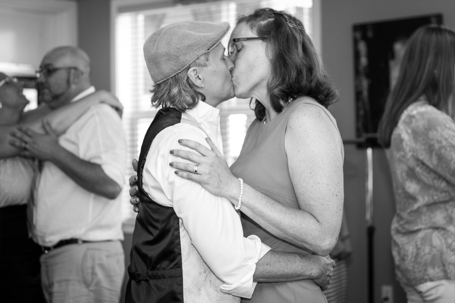 wedding-photography-glbt-olympia-seattle-by-heather-schofner-2